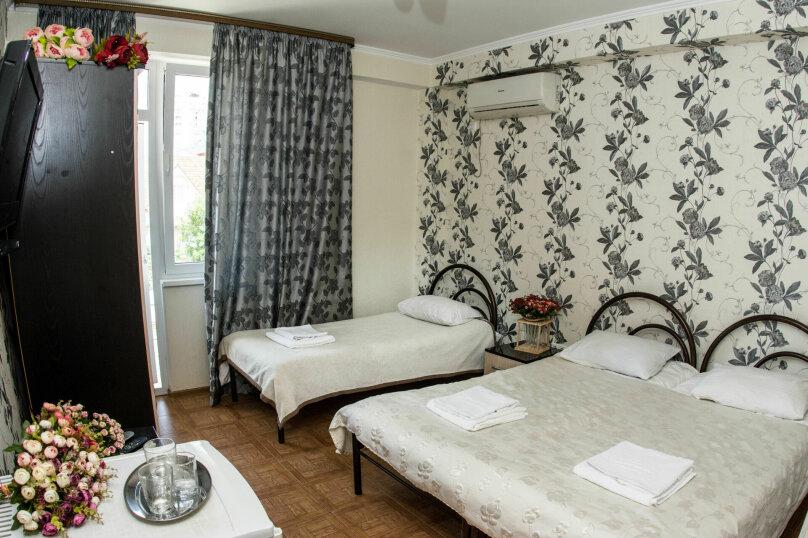 3х местный стандарт с двухспальной и односпальной кроватьями, улица Крупской, 27, Адлер - Фотография 1