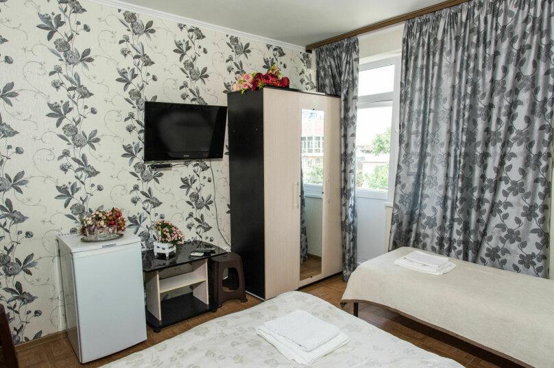 3х местный стандарт с двухспальной и односпальной кроватьями, улица Крупской, 27, Адлер - Фотография 2
