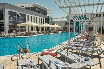 Отель, Прибрежная улица, 27 на 250 номеров - Фотография 1