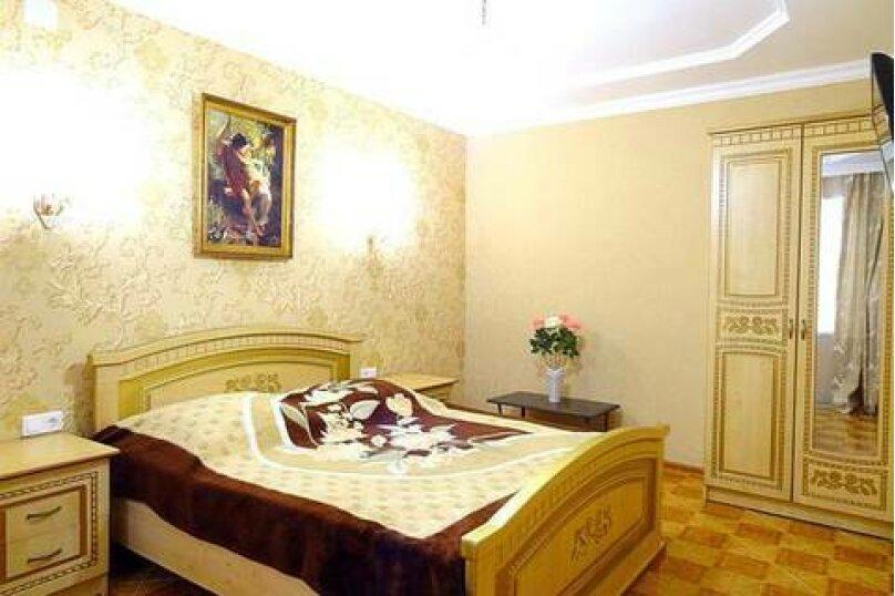Люкс 2-х комнатный, улица Ленина, 26, Дивноморское - Фотография 1