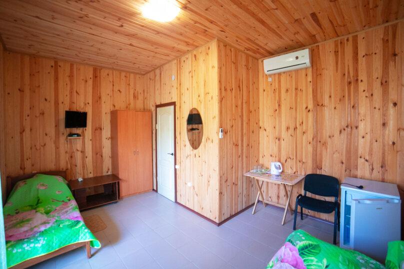 Категория 1 трехместная комната люкс, Крымская улица, 1, Витино - Фотография 1