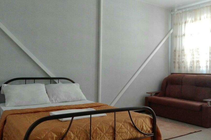 Стандартный четырехместный номер, улица Гоголя, 12, Ейск - Фотография 1