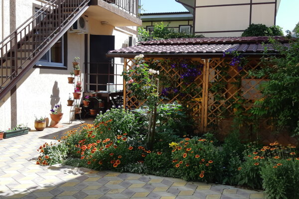 Гостевой дом, Таманский проезд, 11 на 7 номеров - Фотография 1