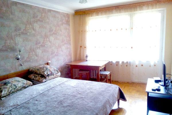 3-комн. квартира, 76 кв.м. на 7 человек, улица Андрея Губина, 18, Кисловодск - Фотография 1