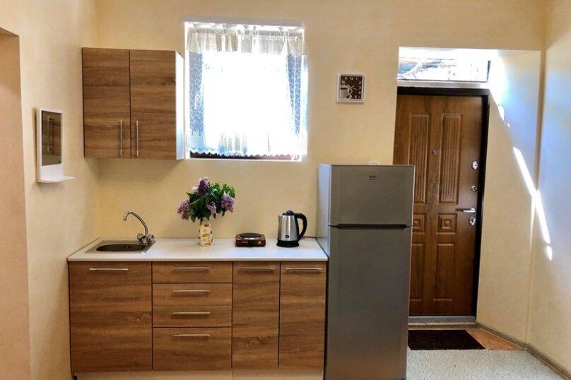Комната с отдельным входом, 16 кв.м. на 4 человека, 1 спальня, Гагариной , 8г, Алушта - Фотография 1