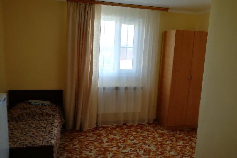 Желтая комната, Приморская улица, 19А, Должанская - Фотография 1