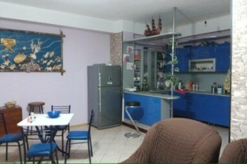 """Гостевой дом """"AnapaHouse"""", улица Самбурова, 78 на 13 комнат - Фотография 1"""
