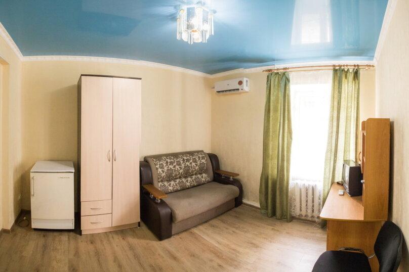 1-комн. квартира, 21 кв.м. на 3 человека, улица Карла Маркса, 26, Туапсе - Фотография 1