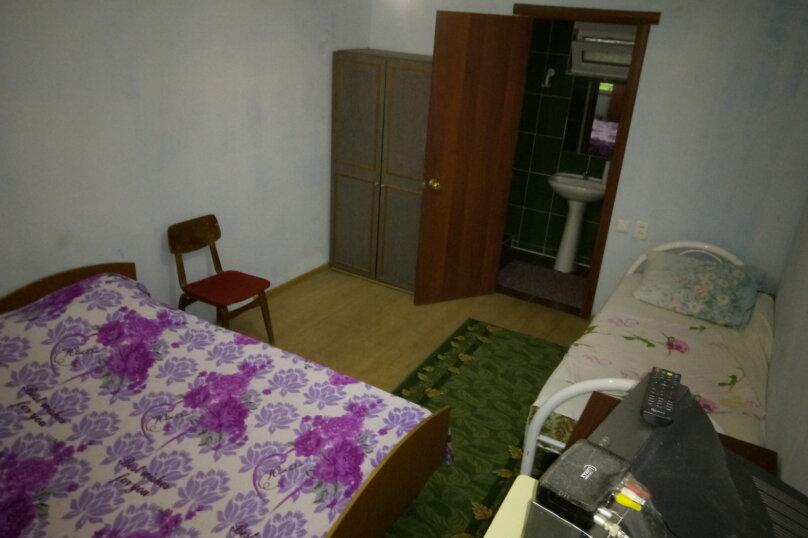 Номера 1,2, , улица Новосёлов, 27, Витязево - Фотография 1