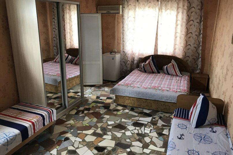 """Гостевой дом """"На 14 Апреля 15"""", улица 14 Апреля, 15 на 16 комнат - Фотография 15"""