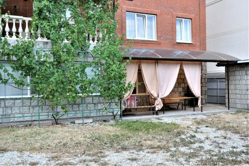 4-комн. квартира, 120 кв.м. на 11 человек, Лабинская улица, 19, Геленджик - Фотография 25