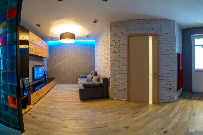 2-комн. квартира, 60 кв.м. на 6 человек, улица Карла Маркса, 17, Новороссийск - Фотография 2