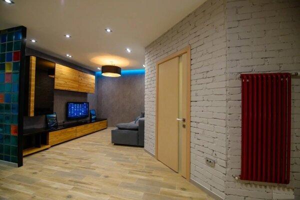 2-комн. квартира, 60 кв.м. на 6 человек, улица Карла Маркса, 17, Новороссийск - Фотография 1