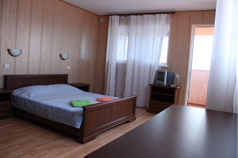 двухкомнатный, двухуровневый 3-й этаж, улица Пушкина, 16, Феодосия - Фотография 1