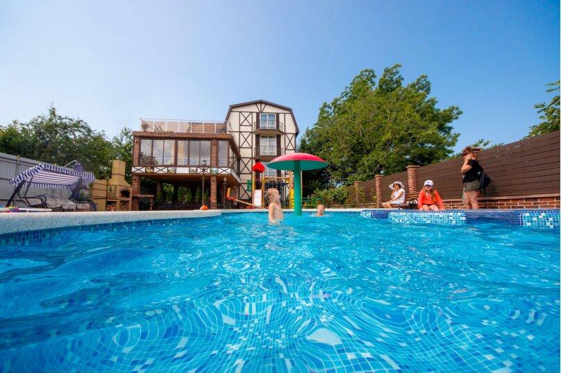 Дом для отдыха с 2 бассейнами , 60 кв.м. на 8 человек, 1 спальня, улица Островского, 56, Геленджик - Фотография 24
