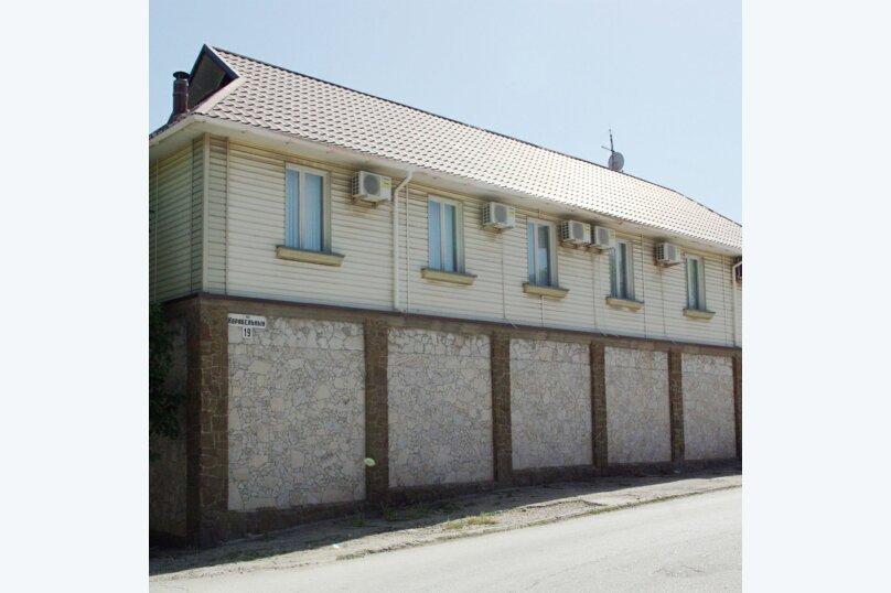 """Гостевой дом """"Летний"""", Корабельная улица, 32 на 6 комнат - Фотография 70"""
