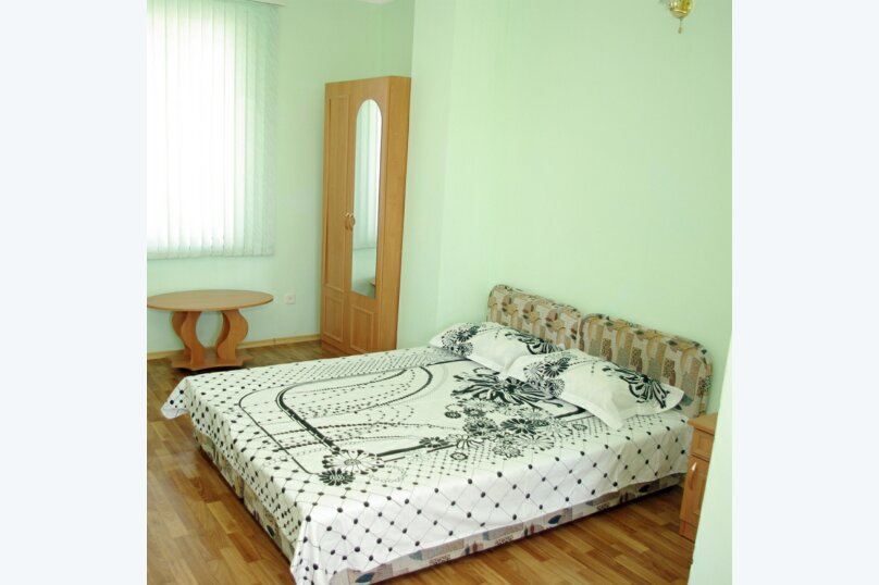 """Гостевой дом """"Летний"""", Корабельная улица, 32 на 6 комнат - Фотография 77"""
