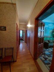 2-комн. квартира, 45 кв.м. на 6 человек, Караимская улица, 2, Феодосия - Фотография 1