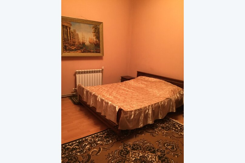 Отдельно стоящий домик с закрытой территорией, 110 кв.м. на 10 человек, 3 спальни, улица Дмитриева, 16А, Ялта - Фотография 2