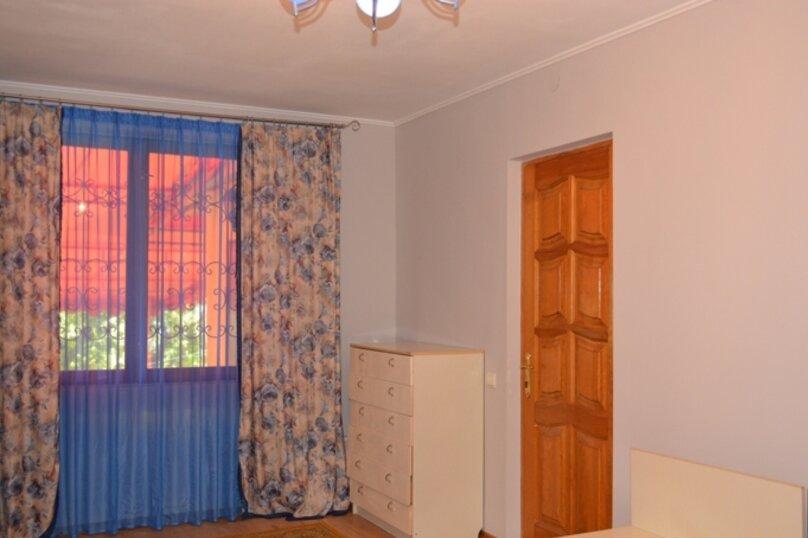 Отдельно стоящий домик с закрытой территорией, 110 кв.м. на 10 человек, 3 спальни, улица Дмитриева, 16А, Ялта - Фотография 7