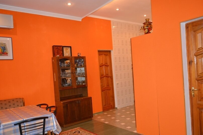 Отдельно стоящий домик с закрытой территорией, 110 кв.м. на 10 человек, 3 спальни, улица Дмитриева, 16А, Ялта - Фотография 10