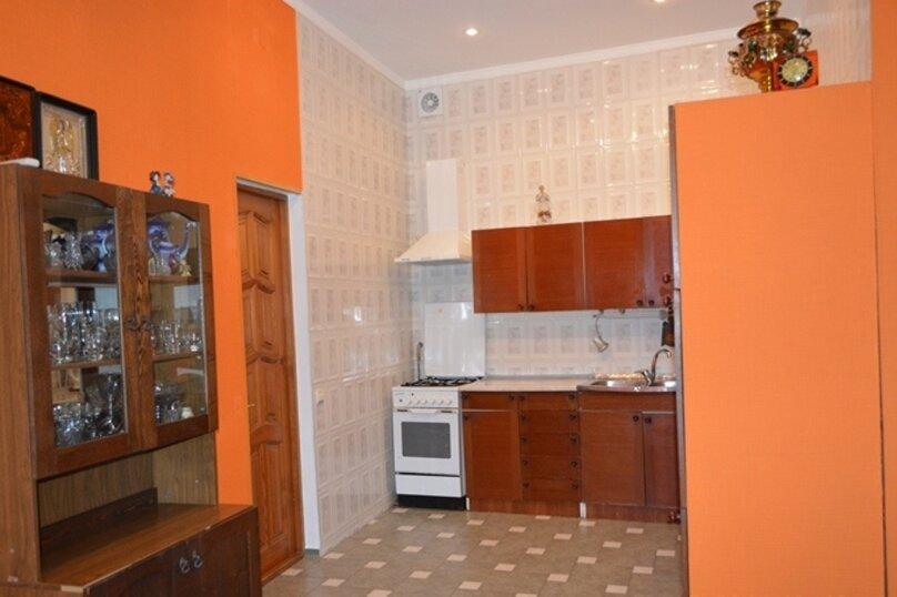Отдельно стоящий домик с закрытой территорией, 110 кв.м. на 10 человек, 3 спальни, улица Дмитриева, 16А, Ялта - Фотография 12