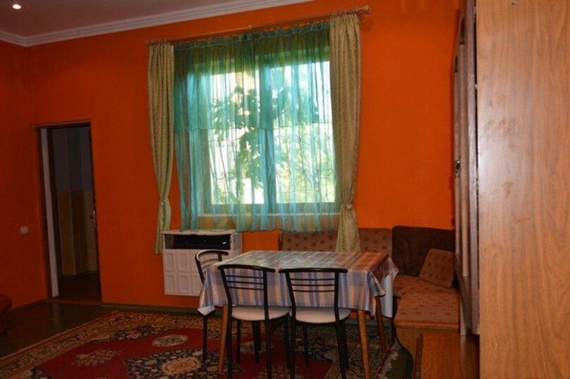 Отдельно стоящий домик с закрытой территорией, 110 кв.м. на 10 человек, 3 спальни, улица Дмитриева, 16А, Ялта - Фотография 15