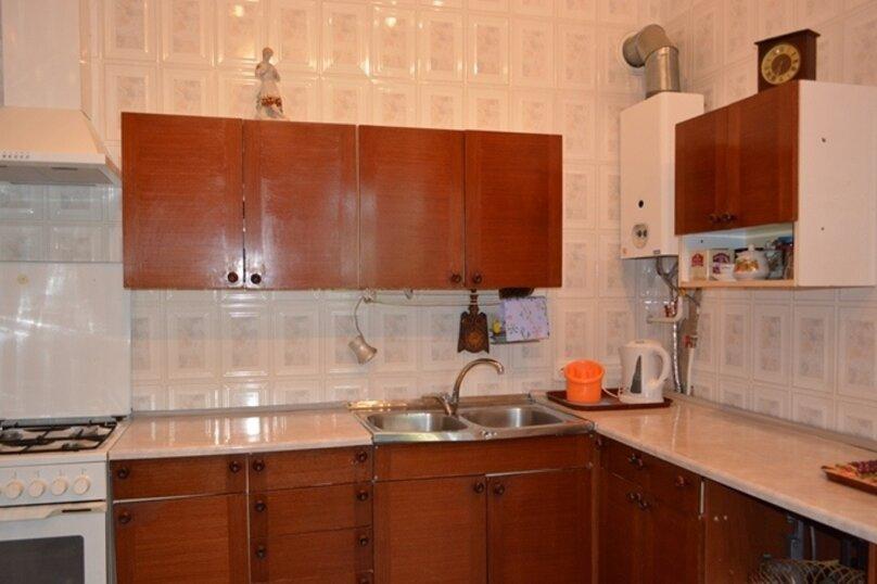 Отдельно стоящий домик с закрытой территорией, 110 кв.м. на 10 человек, 3 спальни, улица Дмитриева, 16А, Ялта - Фотография 16