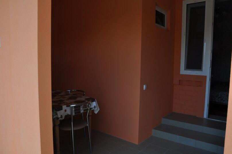 Одна комнатный на 3- 4человек , 50 кв.м. на 4 человека, 1 спальня,  Морское  ул. Озен-Бою   п. 3, д. 1,  ,    п. 3, д. 1, , Морское - Фотография 1