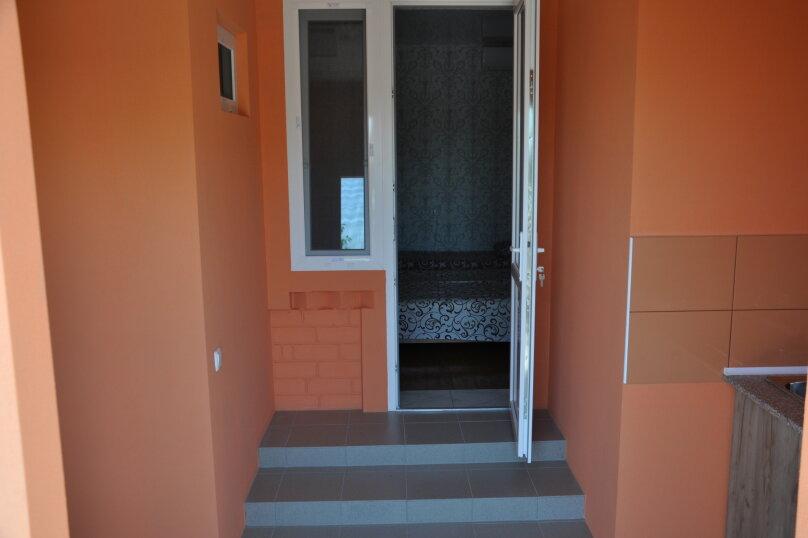 Одна комнатный на 3- 4человек , 50 кв.м. на 4 человека, 1 спальня,  Морское  ул. Озен-Бою   п. 3, д. 1,  ,    п. 3, д. 1, , Морское - Фотография 2