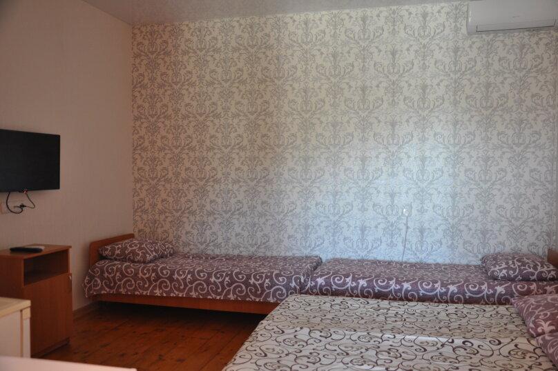 Одна комнатный на 3- 4человек , 50 кв.м. на 4 человека, 1 спальня,  Морское  ул. Озен-Бою   п. 3, д. 1,  ,    п. 3, д. 1, , Морское - Фотография 3