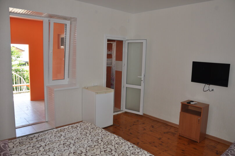 Одна комнатный на 3- 4человек , 50 кв.м. на 4 человека, 1 спальня,  Морское  ул. Озен-Бою   п. 3, д. 1,  ,    п. 3, д. 1, , Морское - Фотография 4