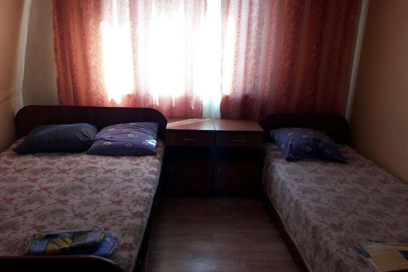 3-х местный номер на 2-м этаже, Миндальная улица, 6, Малореченское - Фотография 1