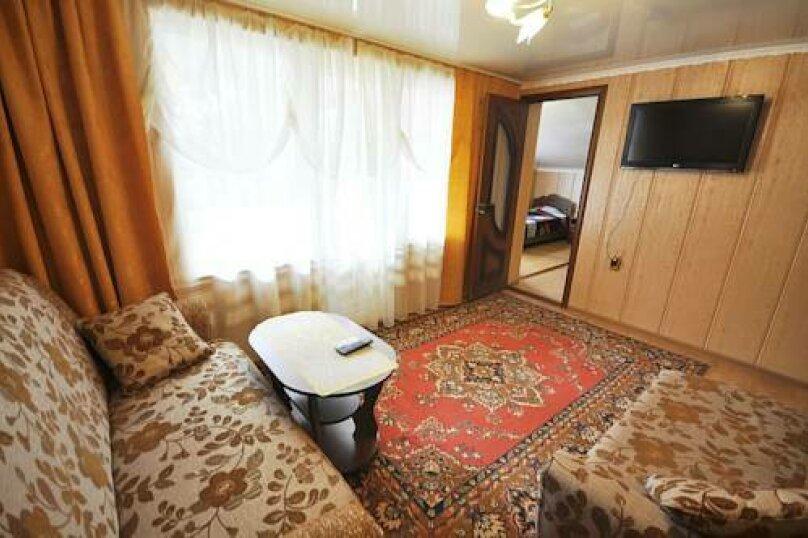 """Гостевой дом """"Натали"""", Революционная улица, 108 на 16 комнат - Фотография 28"""