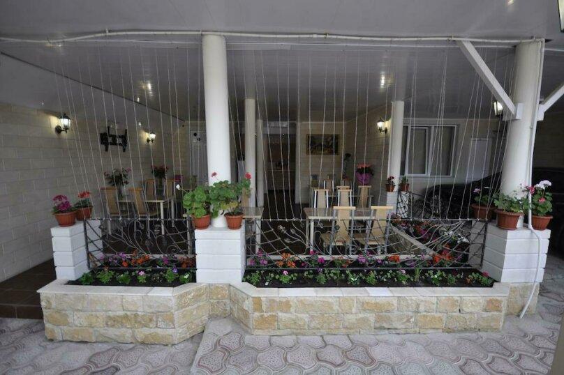 """Гостевой дом """"Натали"""", Революционная улица, 108 на 16 комнат - Фотография 19"""