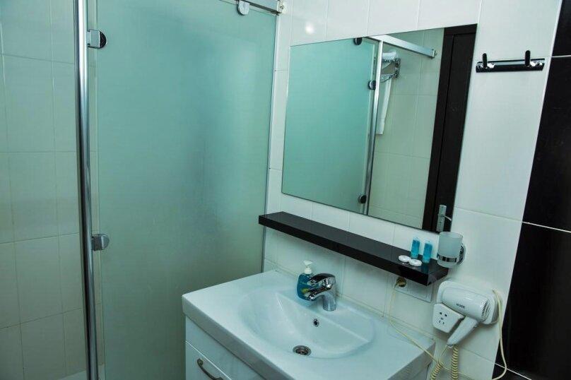 Стандартный двухместный номер с 1 кроватью, улица Чавчавадзе, 5, Батуми - Фотография 4
