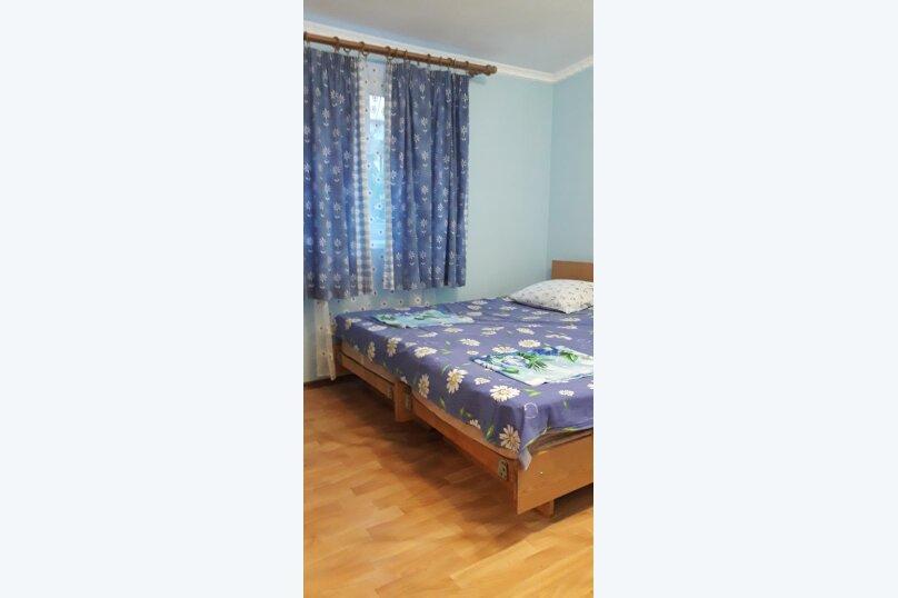 Двухэтажный коттедж у моря, 35 кв.м. на 3 человека, 1 спальня, проспект  Ленина, 15А, Евпатория - Фотография 1