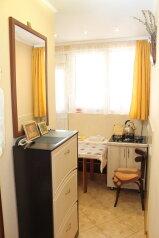 1-комн. квартира, 28 кв.м. на 3 человека, улица Игнатенко, 8, Ялта - Фотография 3
