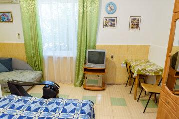 1-комн. квартира, 28 кв.м. на 3 человека, улица Энгельса, 24, Феодосия - Фотография 4