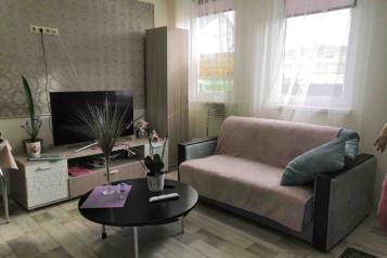 2-комн. квартира, 52 кв.м. на 7 человек, Тростниковая улица, 35, Сочи - Фотография 1