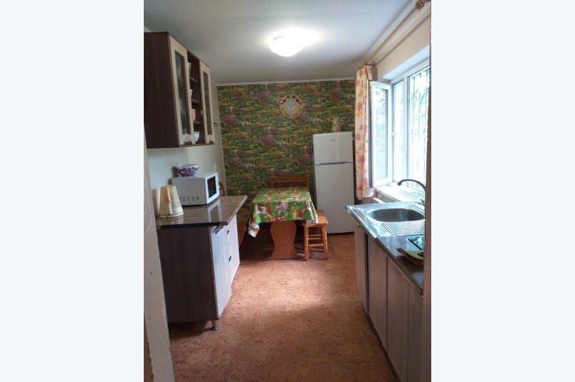 Дом на  3 человек площадью 34 кв.м .Сад!, 34 кв.м. на 3 человека, 1 спальня, улица Ленина, 28, Феодосия - Фотография 10