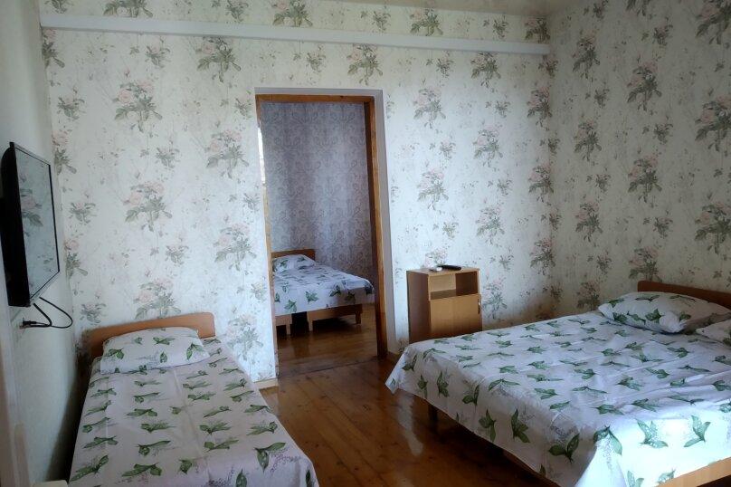 Коттедж на 5 человек , 100 кв.м. на 5 человек, 5 спален, ул.Озен-Бою, п-3,д-1, Судак - Фотография 2
