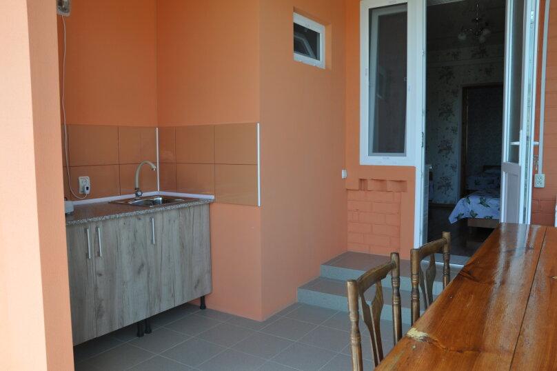 Коттедж на 5 человек , 100 кв.м. на 5 человек, 5 спален, ул.Озен-Бою, п-3,д-1, Судак - Фотография 1