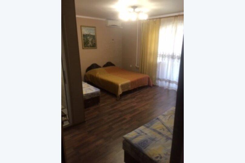 Люкс 3-х местный плюс доп.место 3 этаж, улица Победы, 173, Лазаревское - Фотография 1