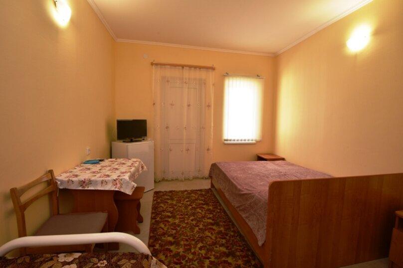 Трехместный номер (2 этаж), улица Гагарина, 26, Кучугуры - Фотография 3