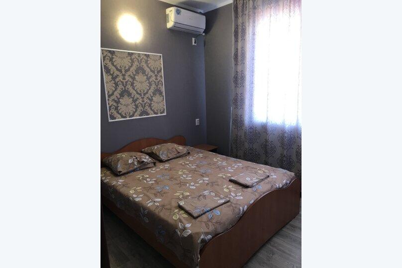 двух комнатный номер на 2 этаже дома, Курортная улица, 11, Оленевка - Фотография 1