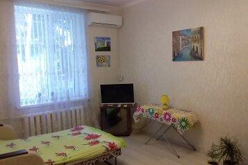 2-комн. квартира, 45 кв.м. на 4 человека, улица Катерная, 39, Севастополь - Фотография 1