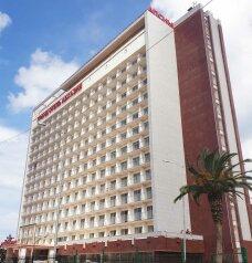 "Гранд-отель ""Абхазия"", улица Абазгаа, 50 на 310 номеров - Фотография 1"