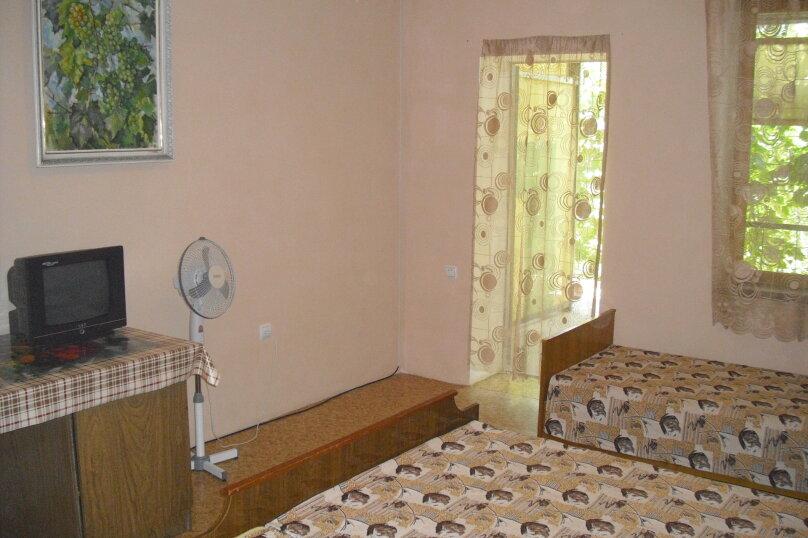Комната на 3-х человек (№9), Магистральная, 33, Береговое, Севастополь - Фотография 1