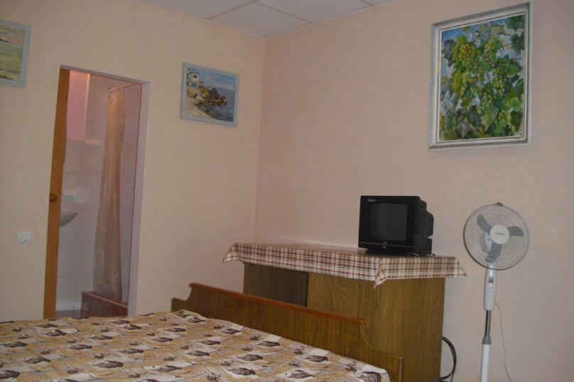 Комната на 3-х человек (№7), Магистральная, 33, Береговое, Севастополь - Фотография 1